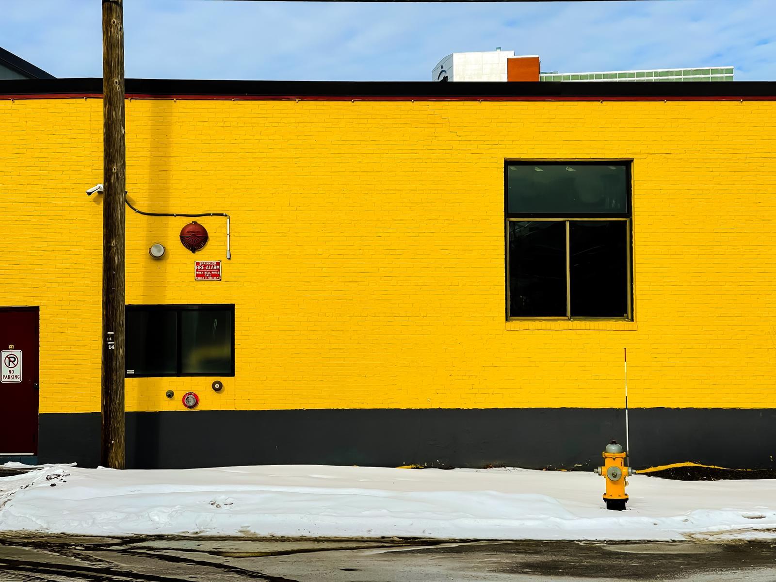 Yellow-wall_Marc-VanDermeer