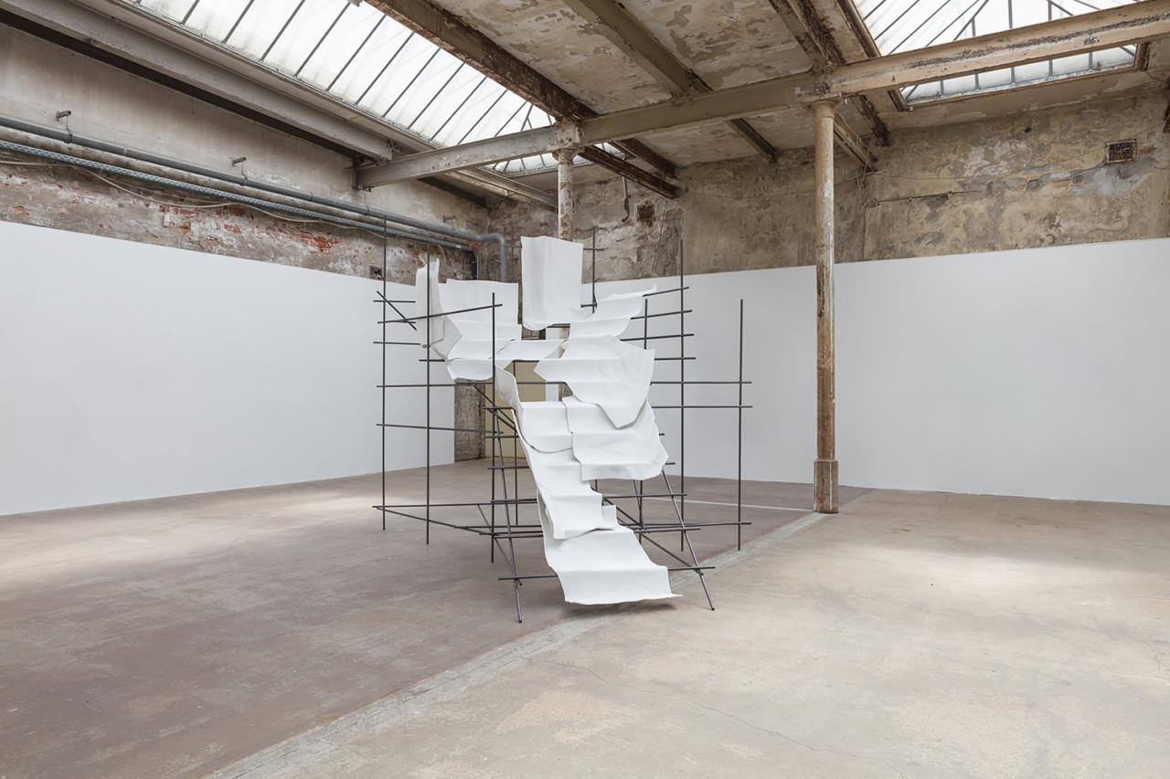 pk-rd41-Lucy_König_bearbeitet_Leipziger_Jahresausstellung_Werkschauhalle_12_Spinnerei_Leipzig_2019-Foto_Jakob_Adolphi_4135_homepage-1280x853